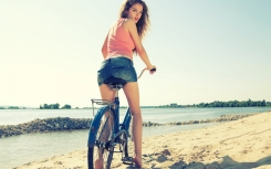 girl-cycling-on-the-beach-wallpaper-for-2880x1800-retina-display-870-45